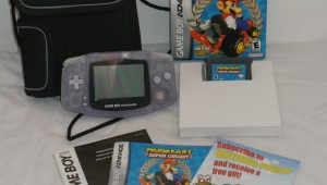 Gameboy Advance (Glacier), estuche oficial, Mario Kart Super Circuit (completo)